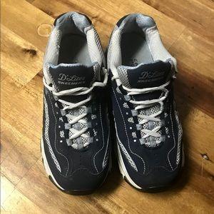 Woman's Skechers  Sneakers Size 7